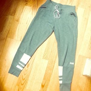 NWOT VS PINK turquoise and white joggers